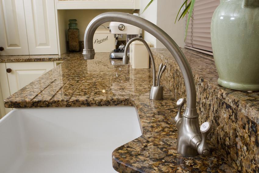 BSRV : plan de travail en pierre, marbre, granit, résine, quartz